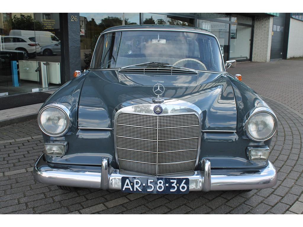 Mercedes-Benz - 190 - D Auto verkeerd in goede staat !!